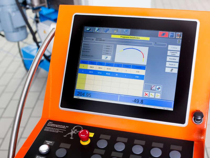 PBT PC400 – Steuerung für Profilbiegemaschinen – Detail