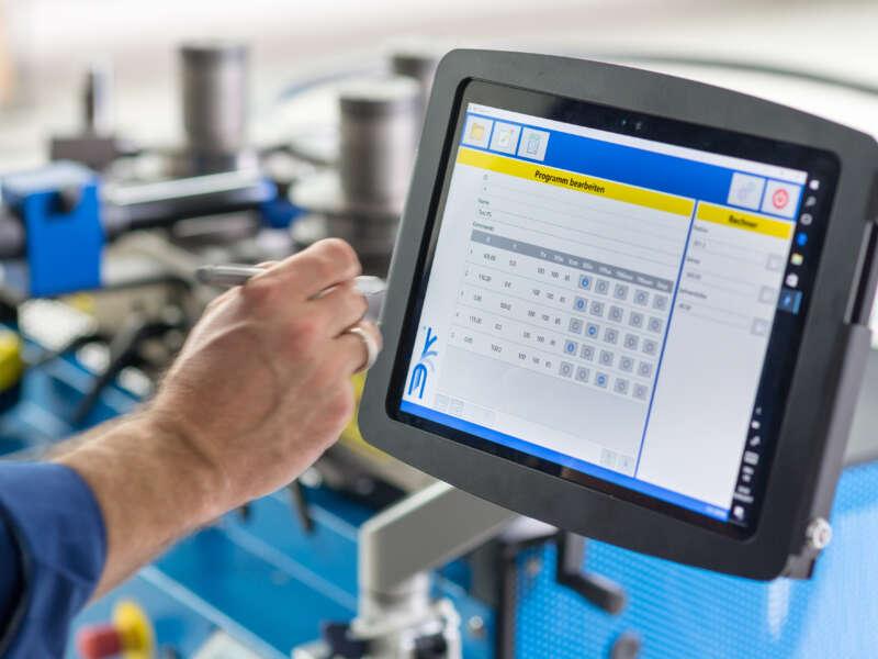 PBT Tablet Teach-In – Steuerung für Profilbiegemaschinen – Detail